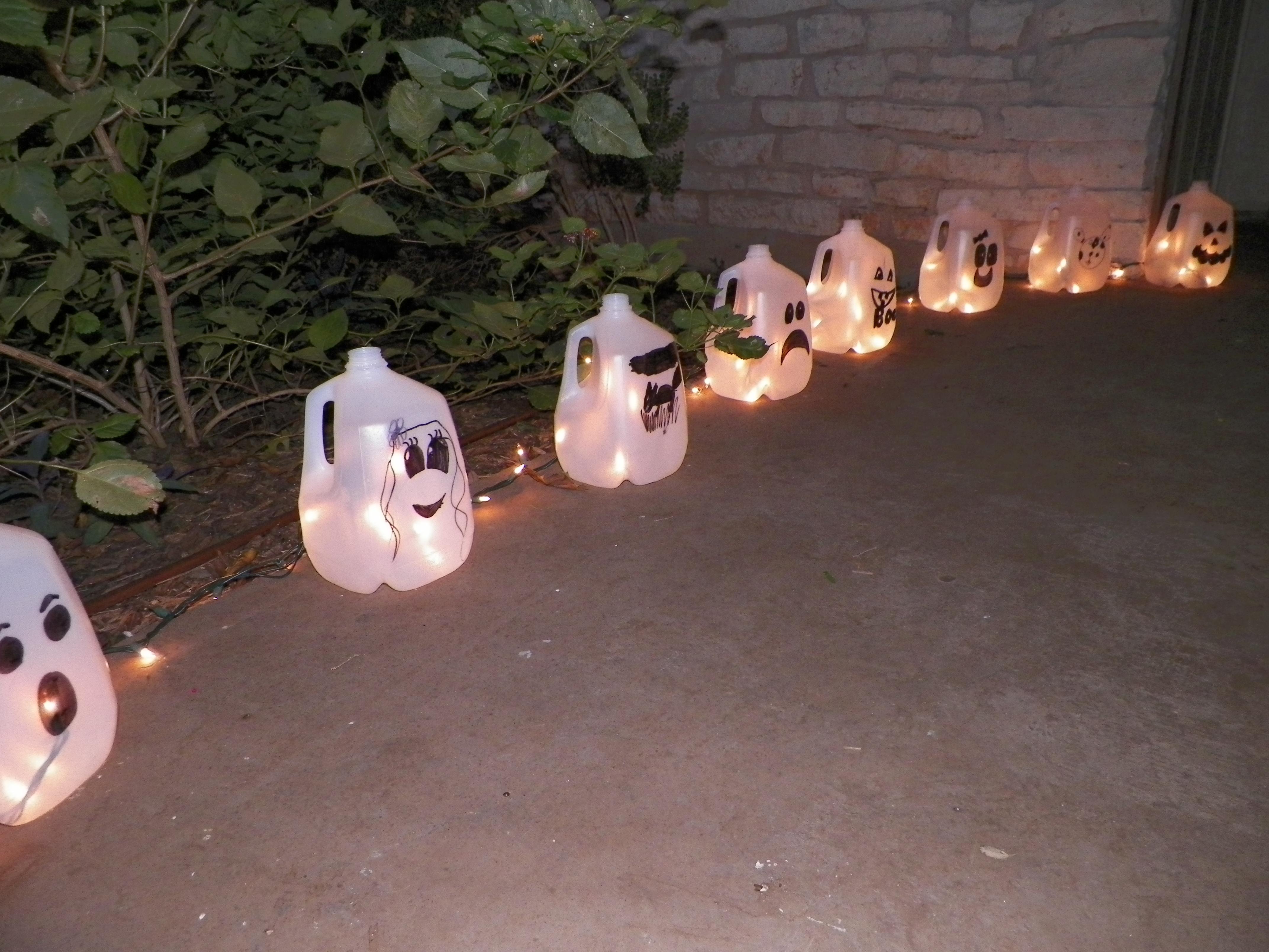 Ordinary Milk Carton Halloween Crafts Part - 8: How To Make The Milk Carton Ghosts